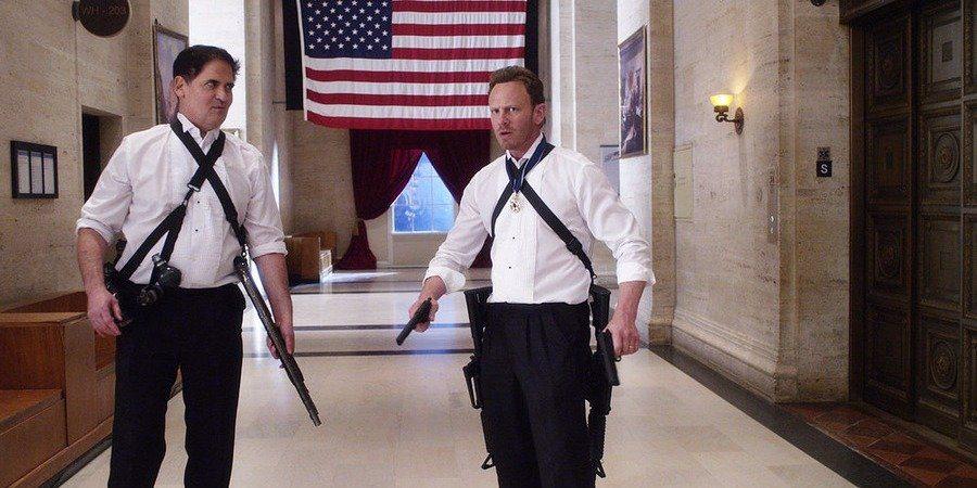 Mark Cuban Plays the US president in 'Sharknado 3'